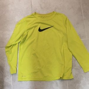 Boys yellow Nike shirt large